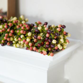 Cream Polka Dot Hypericum Garland