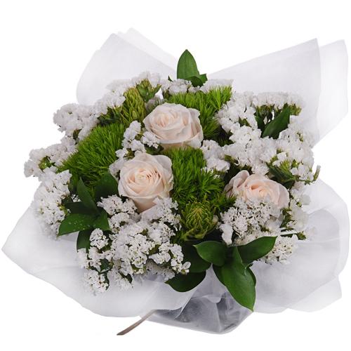 Monochromatic White Bouquetta Centerpieces