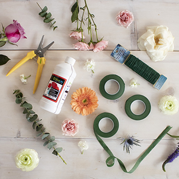 Basic Floral Supply Kit for Arranging Bulk Flowers