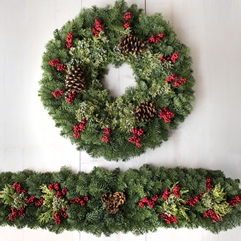 Bows and Berries Mantelpiece Garland and Wreath