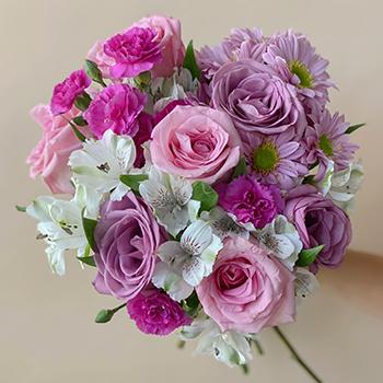 Hug Your Momma Elegant Flowers Bouquet