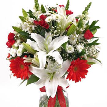 Christmas Flower Arrangements White.Santa S Favorite Holiday Gift Arrangement